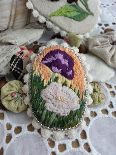 Handmade wild flowers brooch/embroidered by Sujstory on Etsy