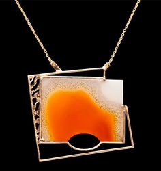 Soledad | Collar con ágata carneola y oro rojo 18k - Necklace with carneola agate and 18k red gold #jewelgram #art #luxurygram #jeweloftheday