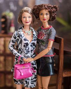 Jo had a very special visit this mornin Barbies Pics, Barbies Dolls, Juste Zoe, Barbie Diorama, Barbie Family, Beautiful Barbie Dolls, In Vino Veritas, Barbie Collector, Barbie Friends