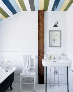 Stripes on the ceiling - like old boatwood