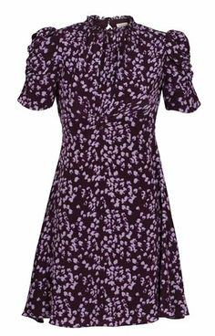 The perfect dress! Pia Tjelta By Timo 1940s Fashion, Refashion, Dress Me Up, Short Sleeve Dresses, Costumes, Clothes For Women, Stylish, My Style, Casual