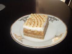 Slávnostné jablkové zákusky: Trinásť chutných receptov, ktoré si obľúbite Strudel, Dessert Recipes, Desserts, Tiramisu, Cheesecake, Birthday Cake, Jar, Ethnic Recipes, Food
