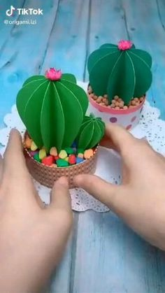 Diy Crafts Hacks, Diy Crafts For Gifts, Creative Crafts, Easy Crafts, Easy Diy, Cool Paper Crafts, Paper Crafts Origami, Origami Art, Diy Paper