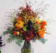 ✿ Flower Arrangements, Victoria, Wreaths, Fall, Flowers, Home Decor, Autumn, Floral Arrangements, Decoration Home