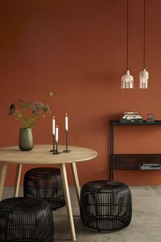 Lastest Home Design. Getting Bored With Your Home? Use These Interior Planning Ideas. Many people want to update their homes, but are unsure of where to start. Orange Rooms, Bedroom Orange, Orange Walls, House Color Schemes, House Colors, Deco Orange, Orange Interior, Diy Bedroom Decor, Home Decor