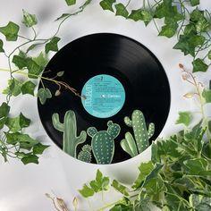 Record Wall Art, Cd Wall Art, Cd Art, Cactus Painting, Sell My Art, Easy Paintings, Vinyl Art, Record Crafts, Cd Crafts
