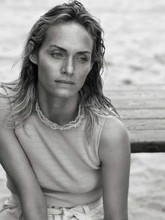 vogue-uk-may-2017-amber-valletta-by-lachlan-bailey-04.jpeg