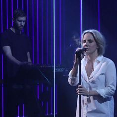 "Ina Wroldsen performs ""How Deep Is Your Love"" on The Tonight Show Starring Jimmy Fallon"