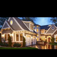 Love those garage doors this is my perfect house