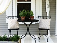 vintage home love: Back/Side Porch Ideas For Summer and An Industrial Pipe Curtain Rod How To Pergola Curtains, Diy Pergola, Pergola Ideas, Pergola Cover, Outside Fall Decorations, Mobile Home Porch, Pipe Curtain Rods, Side Porch, Front Porch