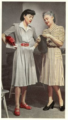 Stylish wartime looks fashion grey white dress red belt shoes purse stripe black white color photo print ad models magazine wedge heels day casual ~ Vintage Outfits, 1940s Outfits, Vintage Shoes Women, Vintage 1950s Dresses, Retro Dress, Vintage Clothing, Fashion Moda, 1940s Fashion, Vintage Fashion