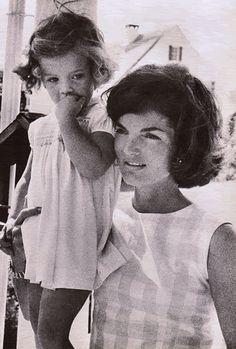 Jackie and Caroline, July 1960