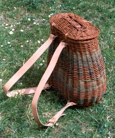 I've made a willow backpack like this one.