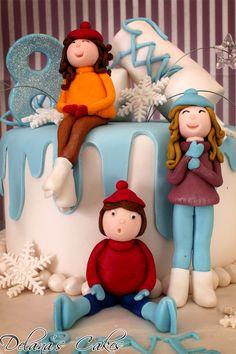 Delana's Cakes: Winter Wonderland Cake and Cupcakes
