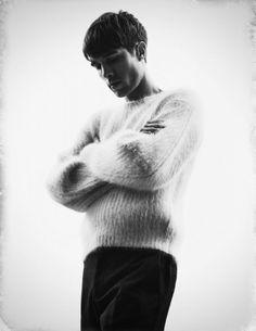 Shot by Viktor Flumé for Contributormagazine.com Styling by Nike Fröhling Felldin #viktorflume #contributormagazine #fashion #blackandwhite #mensfashion #hallundgren #nikefrohlingfelldin