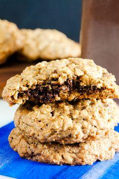 Nutella Stuffed Oatmeal Cookies (Gluten Free) ~ http://www.healthy-delicious.com