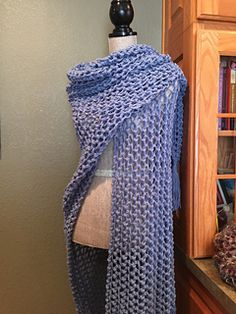 Lover's Knot Prayer Shawl pattern by Louis Chicquette