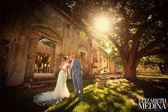 Wendy and Rob, 2012.  Hacienda Chichi Suarez in Merida, Yucatan. elizebethmedina.com