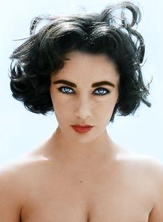 Elizabeth Taylor ...esos ojos azules.