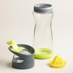 Make every day a spa day with our travel-ready water tumbler. Made of break-resistant glass with a removable silicone base, it features a citrus juicer that twists a lemon or lime into the bottle for instant infusion. Citrus fruits are great detoxifiers that aid digestion and have lots of the antioxidant vitamin C to boost the immune system.