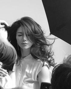 井川 遥 loin.officialさんはInstagramを利用しています:「 &ROSY撮影中 ファッションはもう春 パステルのメイク   学期末の疲れた母ちゃんの体を 撮影が元気にしてくれたような… 濃密で、とても温かい空気に包まれました。 」 Japanese Beauty, Asian Beauty, Hear Style, Prity Girl, Japan Girl, Parisian Style, Hair Beauty, Beautiful Women, Actresses
