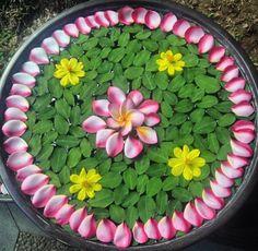 Rangoli Designs Photos, Rangoli Designs Flower, Colorful Rangoli Designs, Rangoli Designs Diwali, Flower Rangoli, Flower Mandala, Flower Designs, Diy Diwali Decorations, Fruit Decorations