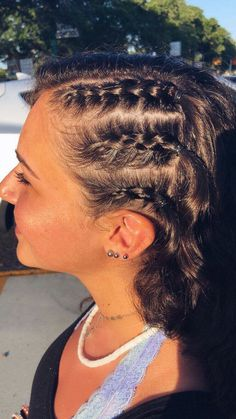 braided hairstyles for 3 year olds with weave hairstyles to school braid hairstyles hairstyles black woman 2018 updos how to hairstyles prom hairstyles directions hairstyles with clip in extensions Volleyball Hairstyles, Sporty Hairstyles, Cute Braided Hairstyles, Athletic Hairstyles, Fringe Hairstyle, School Hairstyles, Hairstyles 2018, Game Day Hair, Sport Hair