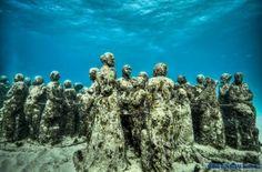 Первый в мире подводный музей