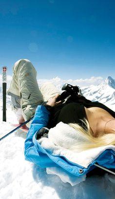 Sexy Ski. Android Wallpaper http://androidstuff.pl/sexy-ski/