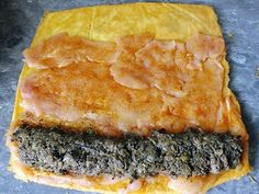 z cukrem pudrem: rolada serowo - drobiowa Pork Recipes, Cooking Recipes, Good Food, Yummy Food, Phyllo Dough, Polish Recipes, Beef Dishes, Food To Make, Dinner Recipes