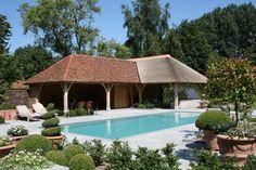 Vrijstaand landhuis met garage en inpandig zwembad rijen noord