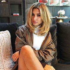 ideas haircut medium length hailey baldwin for 2019 Medium Hair Cuts, Short Hair Cuts, Medium Hair Styles, Short Hair Styles, Haircut Medium, Hair Inspo, Hair Inspiration, Rachel Haircut, Hair Colorful