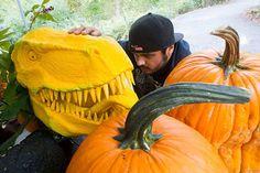This Tyannosaurus Rex Pumpkin Isn't a Carnivore