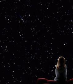 Cuando el hombre levantaba la vista para mirar las estrellas, veía los mundos rodeados de una aureola muy especial y también veía a otras humanidades planetarias, con las cuales se comunicaba telepáticamente.