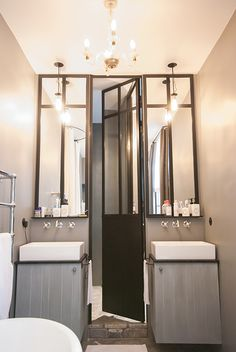 Porte de douche et miroirs en métal - Conception et réalisation Les Ateliers du 4