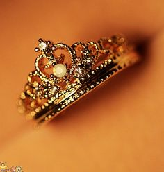I used to have a crown ring that my best guy friend gave me but I lost it on the ferry. :(
