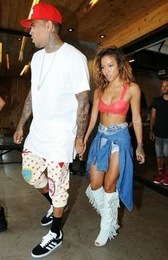 BuzzCanada: Chris Brown and Karrueche are expecting their firs...
