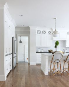 Wall color is Classic Gray Benjamin Moore. Studio McGee Wall color is Classic Gray Benjamin Moore. White Kitchen Cabinets, Kitchen Cabinet Design, Kitchen Wood, Kitchen Ideas, Light Gray Walls Kitchen, Upper Cabinets, Light Grey Walls, Kitchen Flooring, White Cupboards