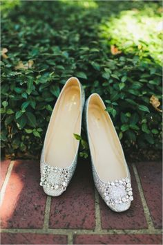 silver kate spade wedding shoes #weddingflats  #rusticwedding #weddingchicks http://www.weddingchicks.com/2014/01/07/lace-and-burlap-wedding/