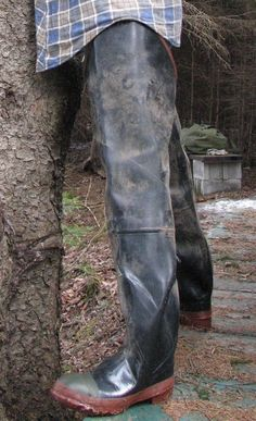 Acton Waders Made Of Very Thick Rubber Notice The Steel