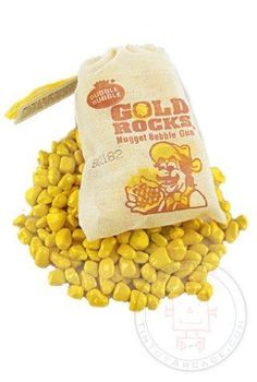 There's gum in them their hills! You get 2 ounces of real Gold Bubble Gum Nuggets in a little cloth miners bag. Do you remember this novelty candy in old fashioned Dime Stores? I do, I remember getting a bag of this gum when I was young. Retro Candy, Vintage Candy, 1970s Candy, Childhood Toys, Childhood Memories, Pop Rocks, Bonbons Vintage, Old Candy, Old Fashioned Candy