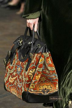 Ralph Lauren Fall 2013 RTW - Details - Fashion Week - Runway, Fashion Shows and Collections - Vogue Ralph Lauren, My Bags, Purses And Bags, Carpet Bag, Tapestry Bag, Boho Bags, Beautiful Bags, Fashion Bags, Runway Fashion
