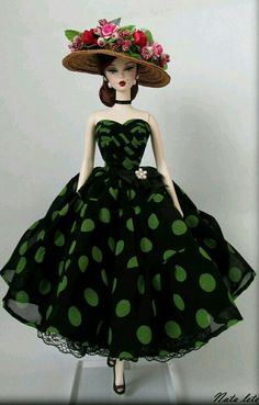 The Baby Doll Inducted Into The Toy Hall of Fame Pretty Green polka Dot on black dress for Silkstone BArbie Doll Barbie Gowns, Barbie Dress, Barbie Clothes, Dress Up, Doll Dresses, Barbie Outfits, Beautiful Dolls, Beautiful Outfits, Beautiful Clothes