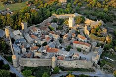 Art Village, Templer, Beaux Villages, European History, France Travel, Location History, Mansions, House Styles, Pyrenees