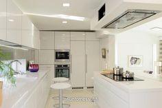 White kitchen countertop, silestone new extreme zeus blanco countertop Keittiömaailma