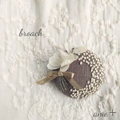 whiteな花束 刺繍ブローチピン
