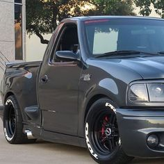 The Retrofit Source: shows us how well retrofits fit with older pickups too! Custom Pickup Trucks, Ford Pickup Trucks, Dodge Trucks, Zeus Lightning, Svt Lightning, Dropped Trucks, Lowered Trucks, Lowered F150, Ford Svt