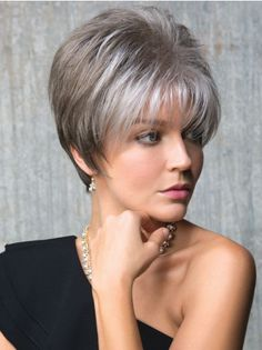 How to style the Pixie cut? Despite what we think of short cuts , it is possible to play with his hair and to style his Pixie cut as he pleases. Grey Wig, Short Grey Hair, Short Hair Cuts, Pixie Cuts, Short Pixie Haircuts, Pixie Hairstyles, Short Hairstyles For Women, Haircut Short, Haircut Styles