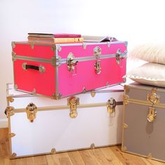 top of our wish lists -- a super cute + super functional trunk to style in many ways #junkinthetrunk