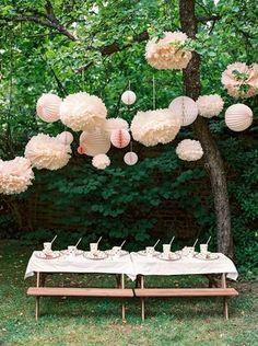 Lanternes champêtres—On s'équipe de quelques lanternes, on colle deux tables à pique-nique et le tour est joué!
